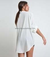 Λευκή πουκαμίσα με γιακά μάο και πατ μανικιών