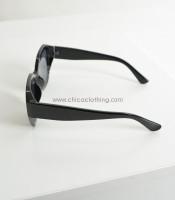 Γυαλιά ηλίου μαύρα κοκκάλινα με μαύρο φακό