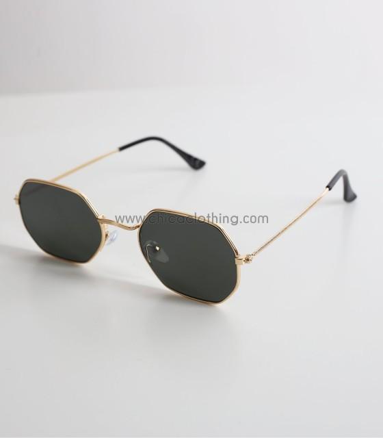Γυαλιά ηλίου με πολύγωνο σκελετό και πράσινο φακό