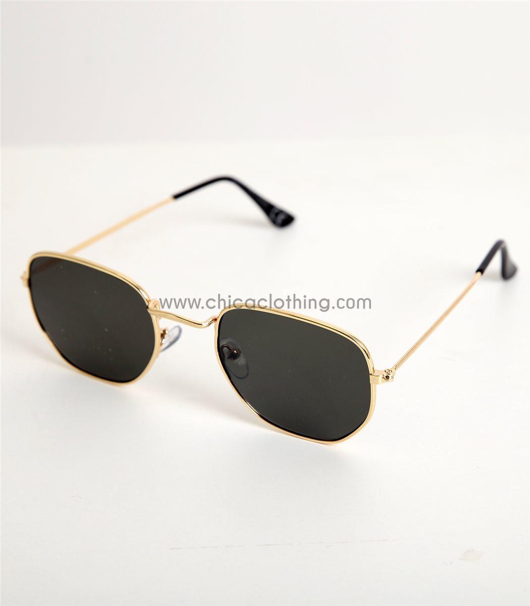 ac138631d0 Γυναικεία πράσινα γυαλιά ηλίου με χρυσό σκελετό