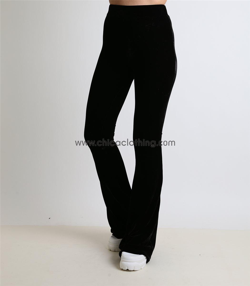 4b32c799eb79 Γυναικεία μαύρη βελούδινη ελαστική παντελόνα ψηλόμεση καμπάνα