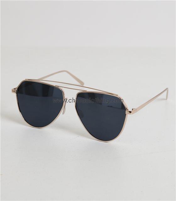 Γυαλιά ηλίου μαύρα με χρυσό σκελετό