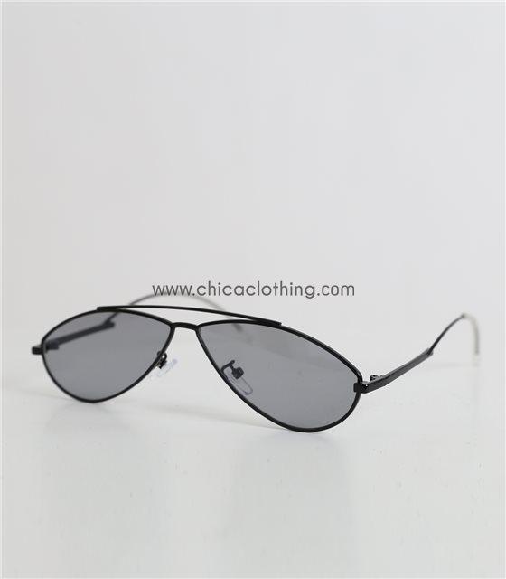Γυαλιά ηλίου γατίσια με μαύρο φακό και μεταλλικό σκελετό