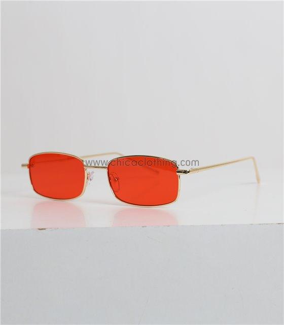 Γυαλιά ηλίου οβάλ με κόκκινο φακό και χρυσό σκελετό