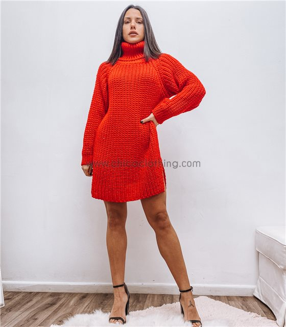 Κόκκινο πλεκτό φόρεμα με ανοίγματα στο πλάι