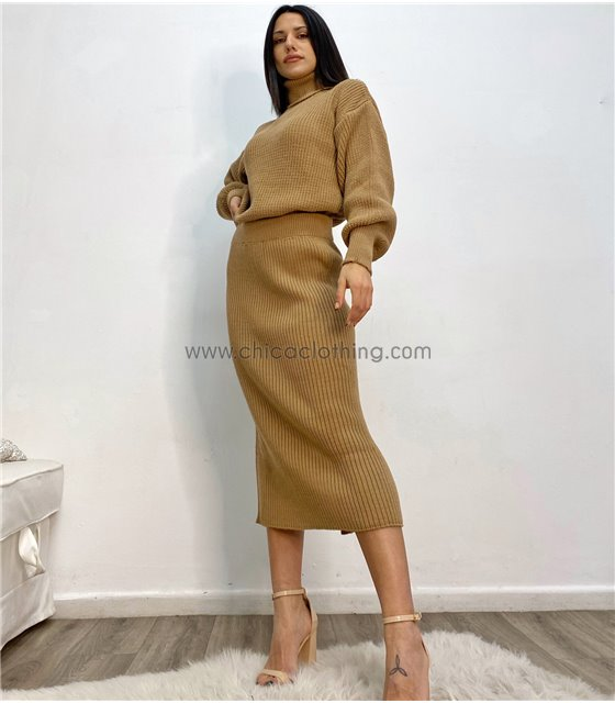 Σετ πλεκτό μπλούζα - φούστα με άνοιγμα (Κάμελ)