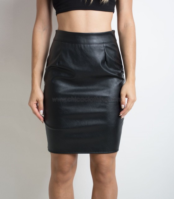 Black faux leather skirt with zip