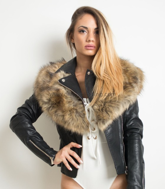 Jacket with faux fur collar