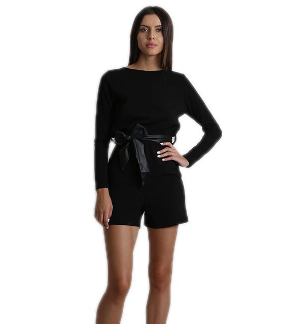 Ολόσωμη φόρμα σορτς με V-cut πλάτη - Μαύρη