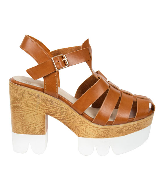 Heeled sandals in camel straps