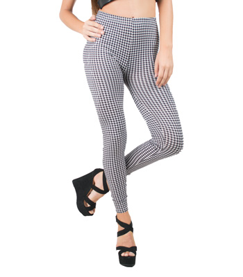 Leggins in black and white pattern