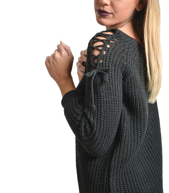 Knitted blouse with cuts on shoulders (Black)