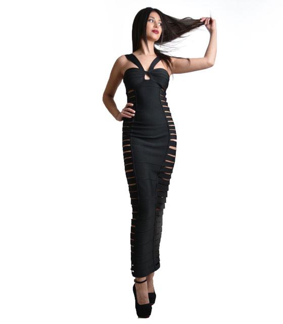 Μάξι μαύρο φόρεμα με ανοίγματα στο πάλι
