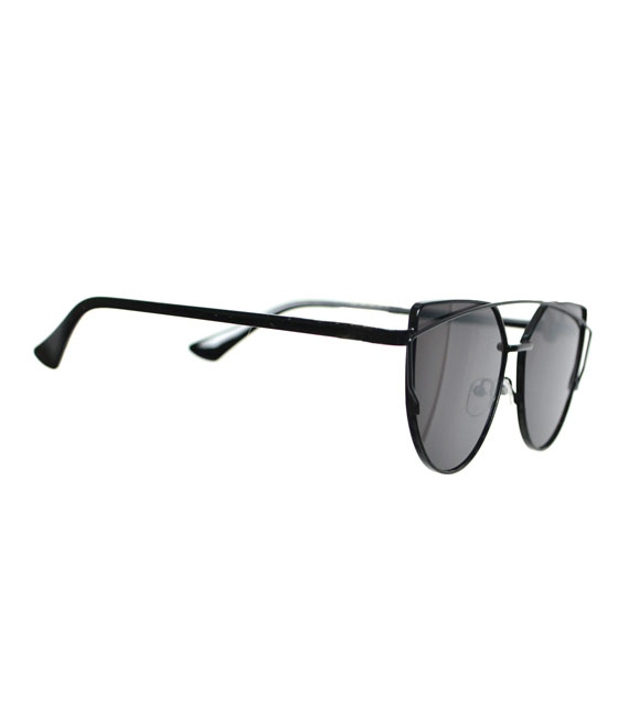 Γυαλιά ηλίου με μαύρο καθρέφτη και μαύρο σκελετό
