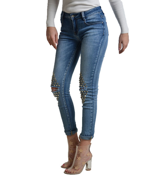 Busted knee jeans with studs