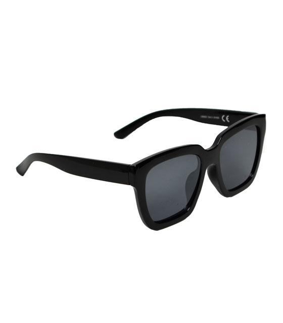 Μαύρα γυαλιά ηλίου με μαύρο φακό