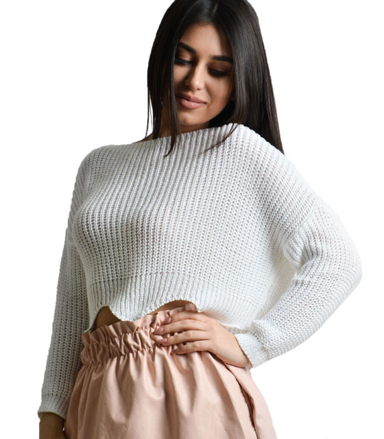 White knitted crop top with asymmetric hem