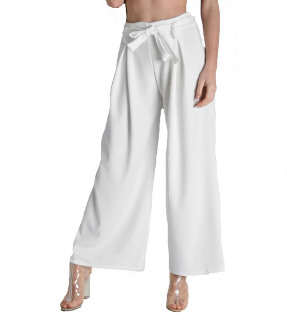 Highweisted white trousers