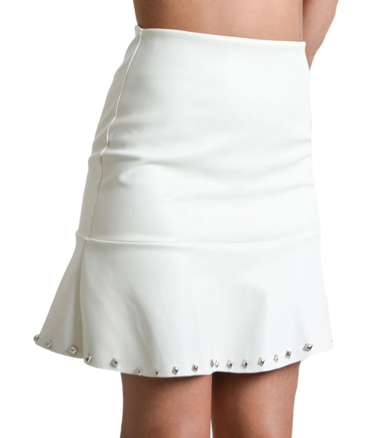 White leather skirt with studs details