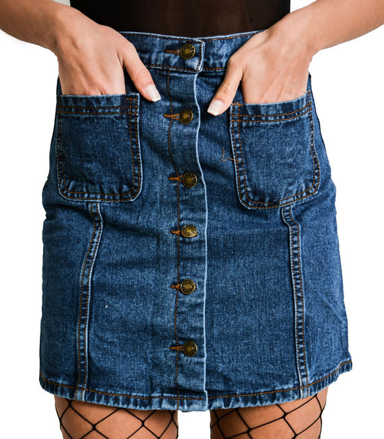 Jeans skirt with buttons and pockets