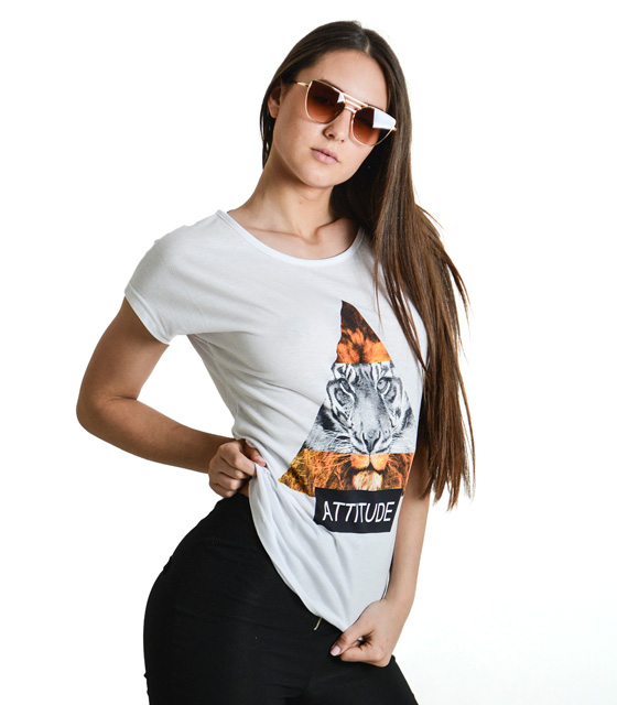 "Printed white t-shirt with ""ATTITUDE"""