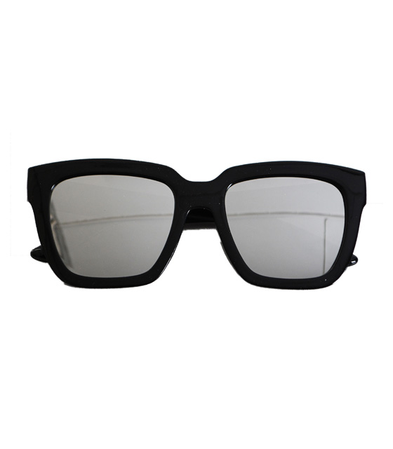 Black sunglasses with silver lense