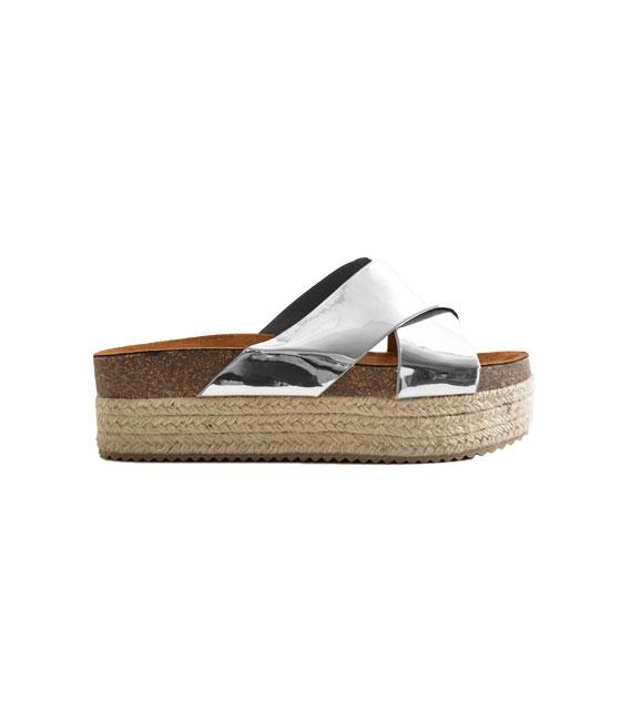 Ασημί ψάθινη παντόφλα παπούτσια   παντόφλες