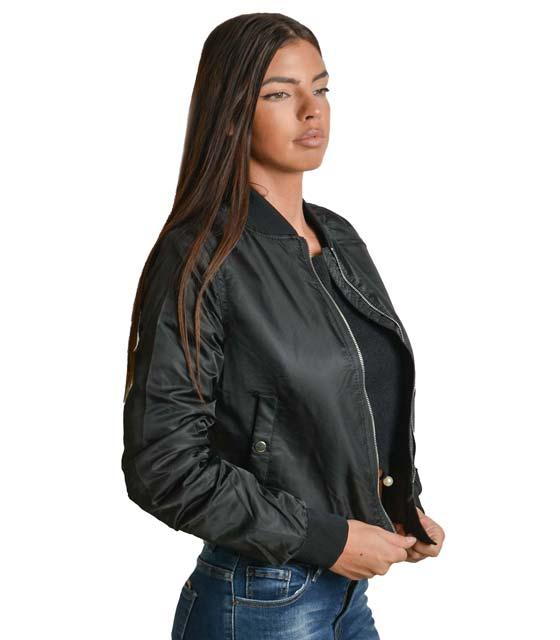Μαύρο μπουφάν κοντό με τσέπες και κουμπιά