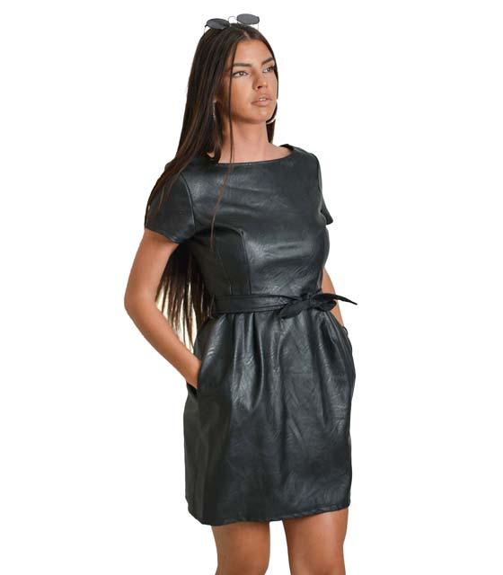 Μαύρο φόρεμα δερματίνη με ζώνη στην μέση
