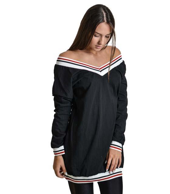 Μαύρο φόρεμα με λαιμόκοψη και τελείωμα λάστιχο