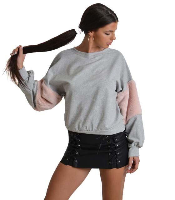 Mπλούζα φούτερ με γούνινη λεπτομέρεια στο μανίκι (Γκρι)
