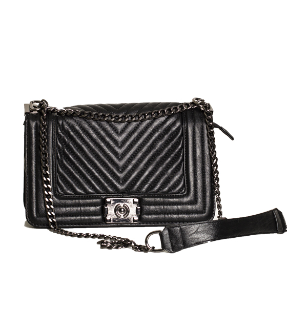 Τσάντα ώμου με αλυσίδα και κούμπωμα μαγνήτι (Μαύρο)