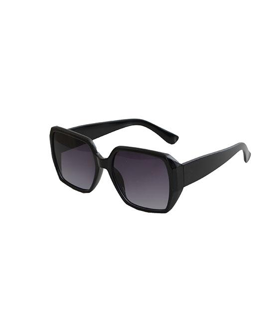 Μαύρα γυαλιά ηλίου με μαύρο φακό και κοκκάλινο μικρό σκελετό αξεσουάρ   γυαλιά