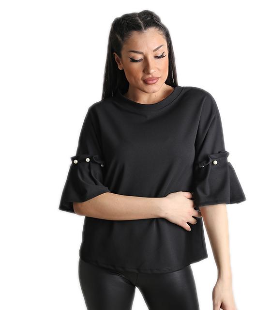 Μαύρη μπλούζα με πέρλες στο μανίκι