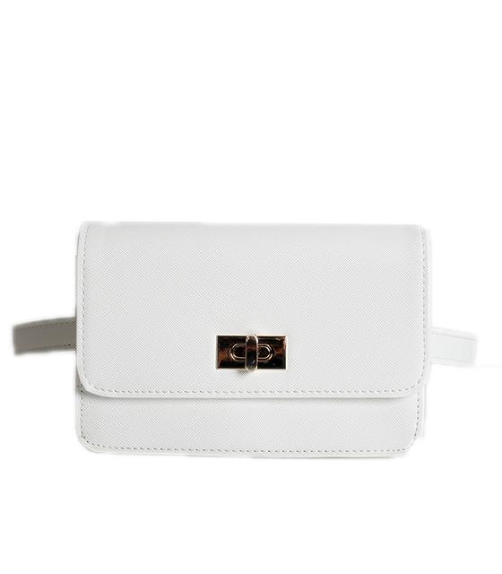 Λευκή τσάντα δερματίνη με χρυσό κούμπωμα και φερμουάρ στο πίσω μέρος