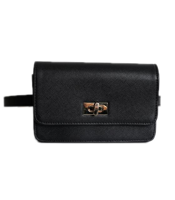 Μαύρη τσάντα δερματίνη με χρυσό κούμπωμα και φερμουάρ στο πίσω μέρος