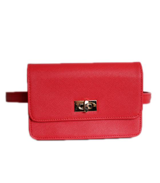 Κόκκινη τσάντα δερματίνη με χρυσό κούμπωμα και φερμουάρ στο πίσω μέρος