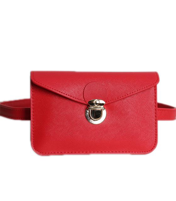 Κόκκινη τσάντα δερματίνη με χρυσό κούμπωμα