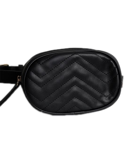 Μαύρη τσάντα δερματίνη με ζώνη και φερμουάρ