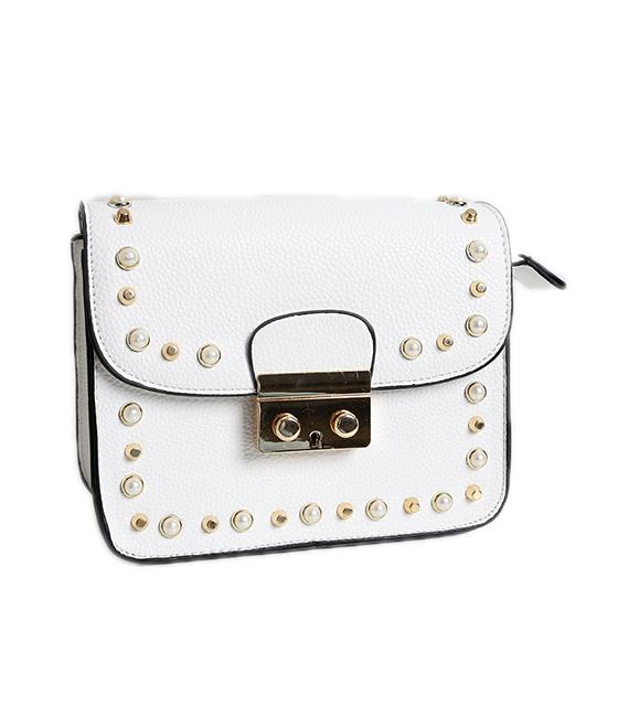 Λευκή τσάντα δερματίνη με τρουκς και πέρλες
