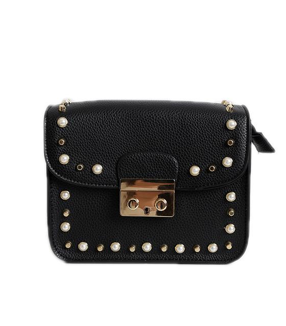 Μαύρη τσάντα δερματίνη με τρουκς και πέρλες