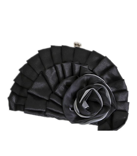 Μαύρο τσαντάκι με σχέδιο τριαντάφυλλο