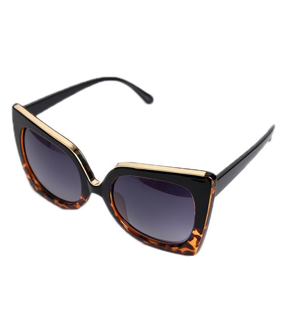 Μαύρα τετράγωνα γυαλιά με χρυσή και ταρταρούγα λεπτομέρεια