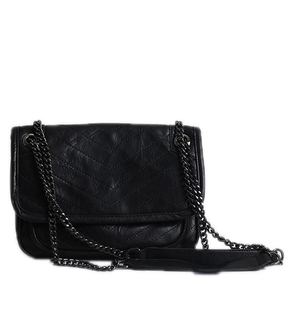 Μαύρη τσάντα δερματίνη με κούμπωμα μαγνήτη